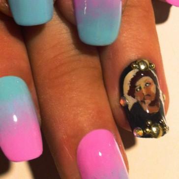 Ecce homo entre y salga nails